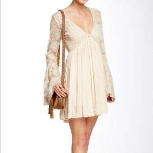 OFFERS!? NWT FREE PEOPLE CREAM LACE DRESS